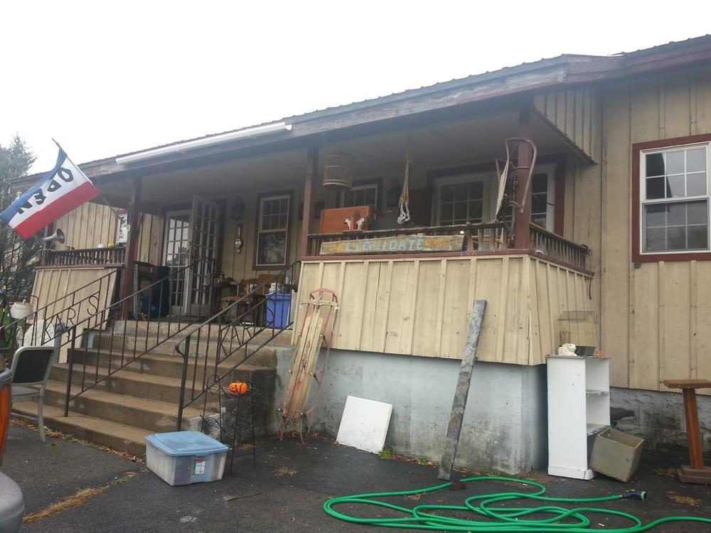 200 Glen Antique: 34 Lower Warren St, Queensbury, NY