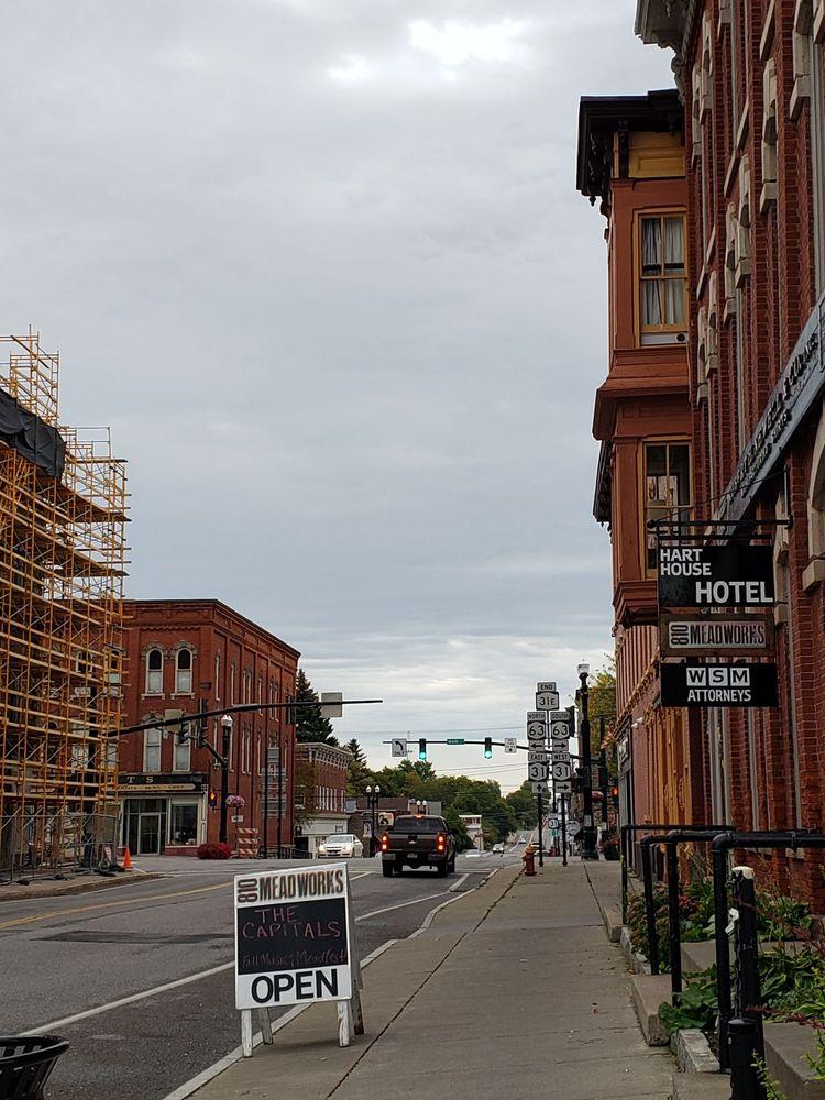 Village of Medina: 526 East Ave, Medina, NY
