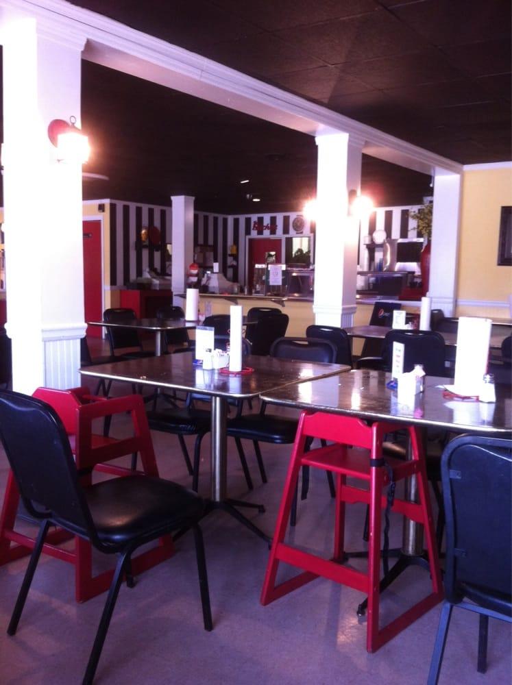 Tuugie's Restaurant: 17954 Highway 18 E, Berry, AL