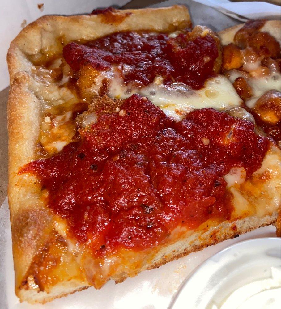 Furci's Brick Oven Pizzeria & Trattoria: 271 Snedecor Ave, Bayport, NY