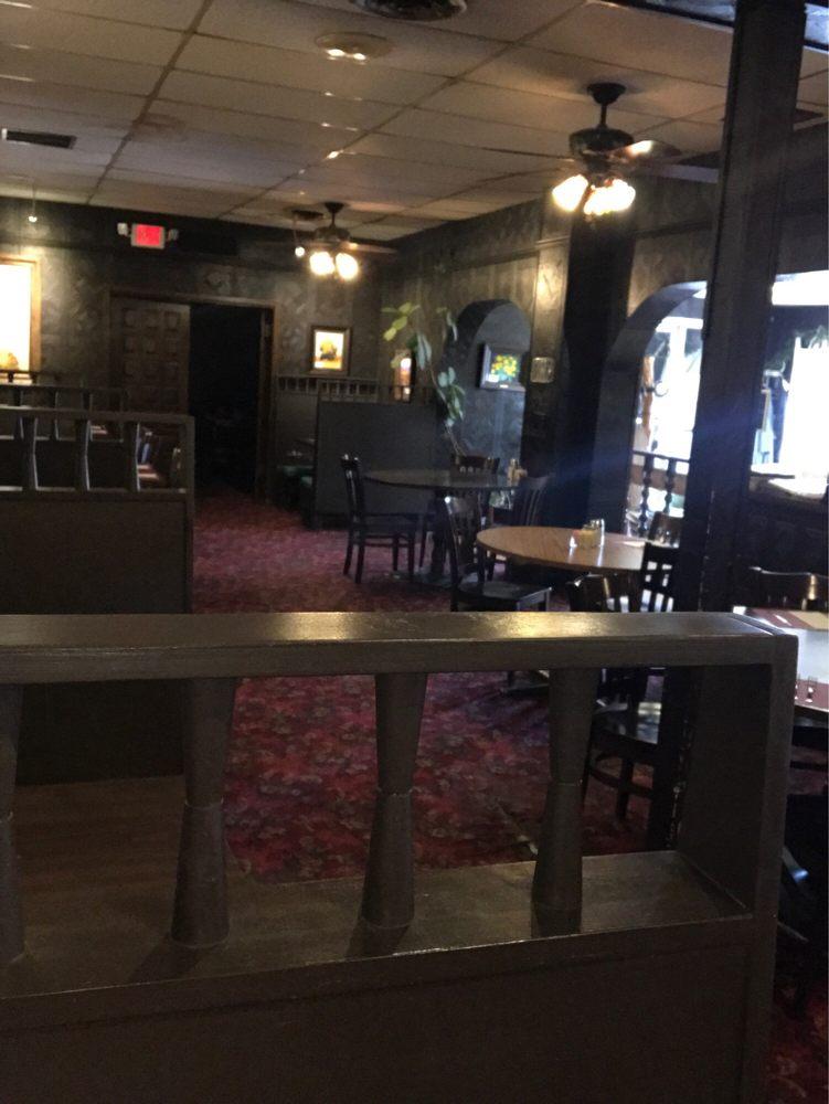 El Camino Dining Room: 225 S Hwy 87, Tulia, TX