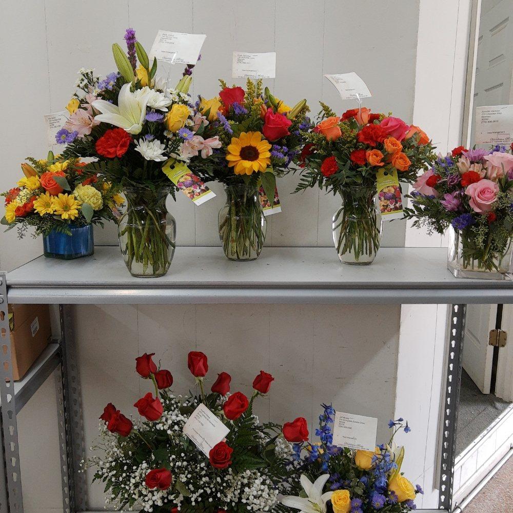 Huddleston Florist: 325 Glynn St N, Fayetteville, GA