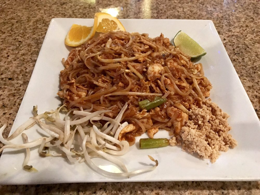 Ginger & Spice: 909 2nd St, Marble Falls, TX