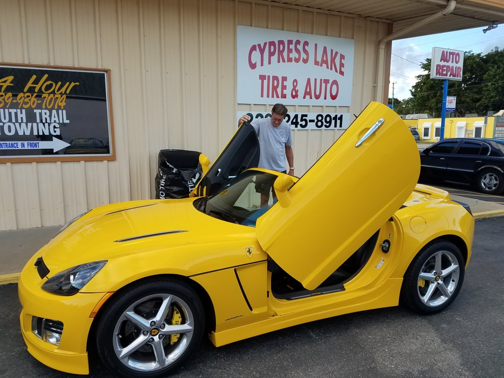 Towing business in Cypress Lake, FL