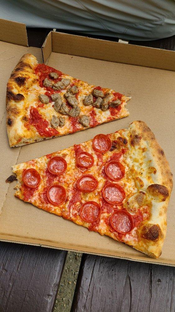 Breckenridge Ale House & Pizza: 520 S Main St, Breckenridge, CO