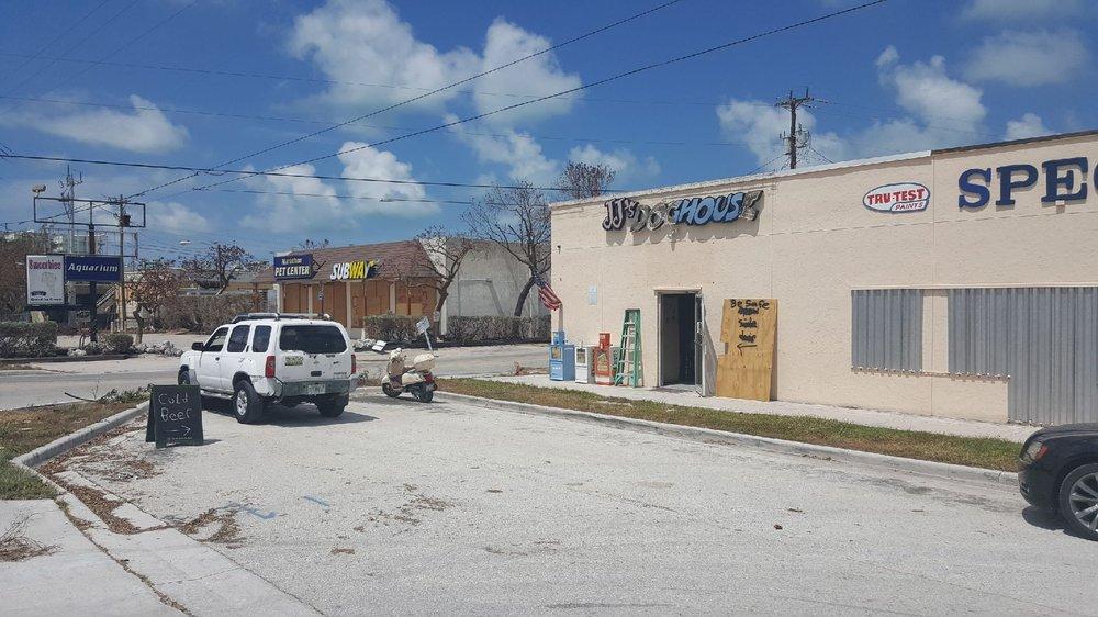 JJ's Dog House & Sports Bar: 10700 Overseas Hwy, Marathon, FL
