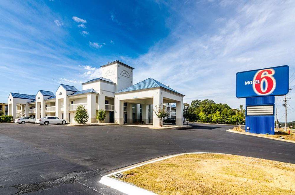 Motel 6: 204B US Hwy 231 N, Troy, AL
