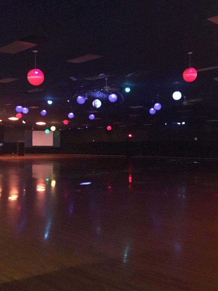 Skate Plaza: 5685 N Pioneer Dr, Coeur D Alene, ID