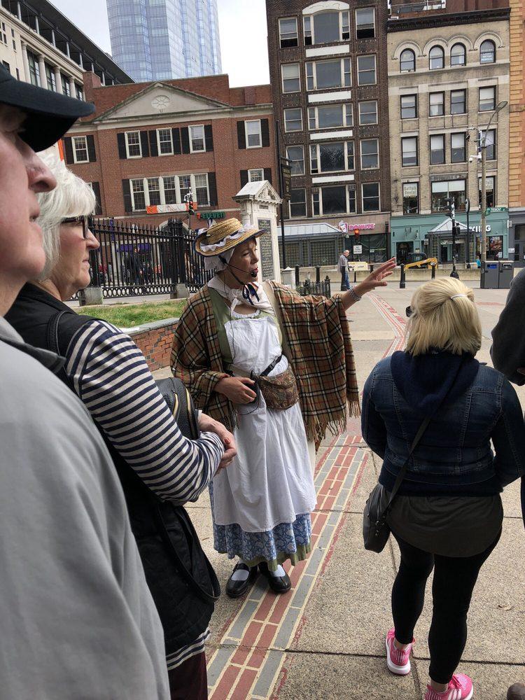 Boston Town Crier - Tours of Freedom Trail