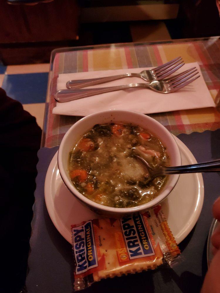 Harold's Restaurant & Lounge: 176 W Fulton St, Gloversville, NY