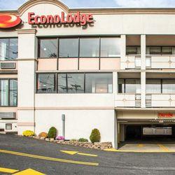Photo Of Econo Lodge Meadowlands Carlstadt Nj United States