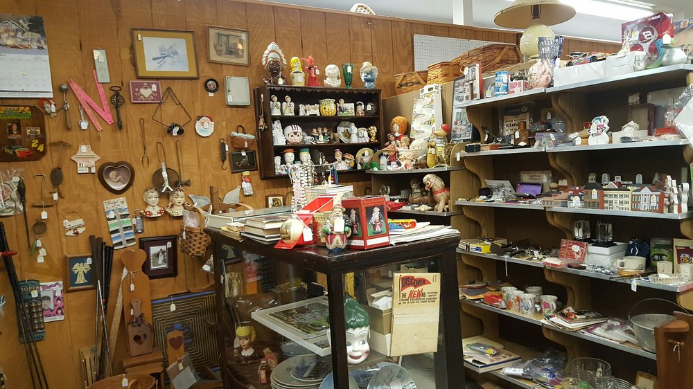 Berlin Village Antique Mall: 4774 US 62, Berlin, OH