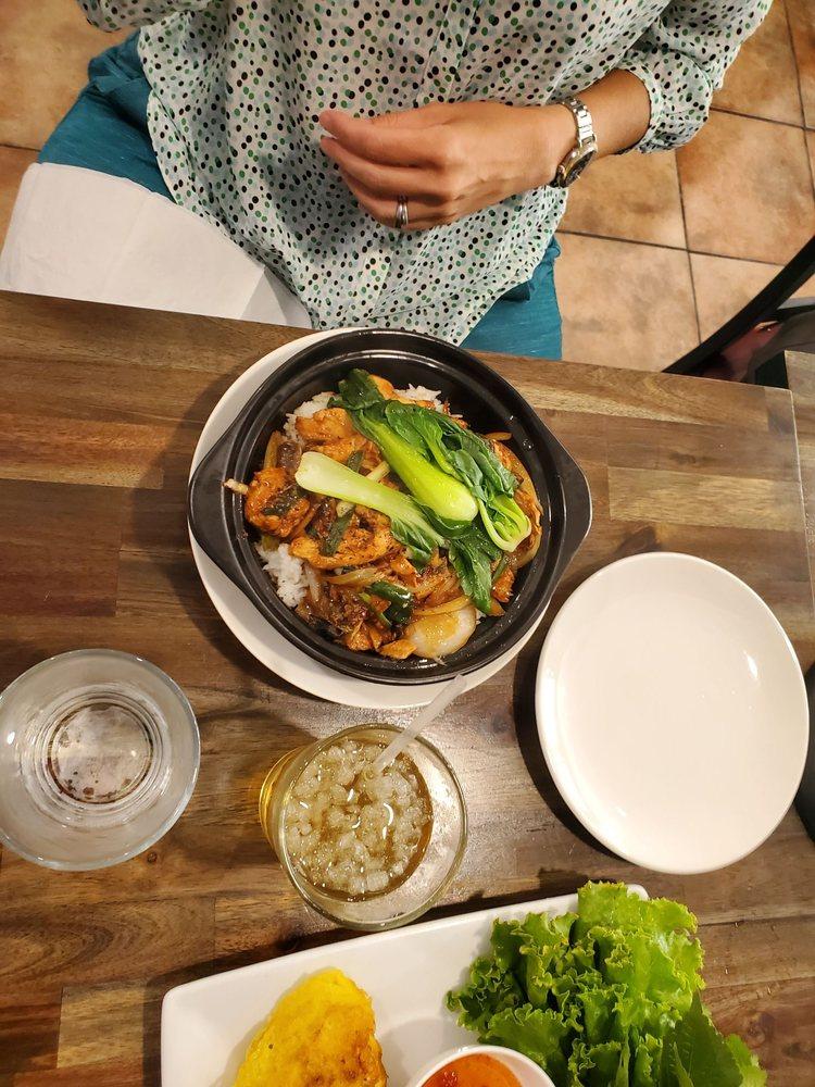 Sunflower Vietnamese Cuisine: 6001 W Parmer Ln, Austin, TX
