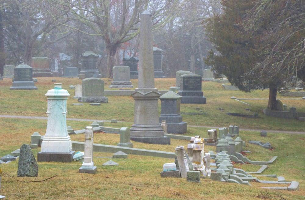Oak Neck Cemetery: 230 Oak Neck Rd, Barnstable, MA