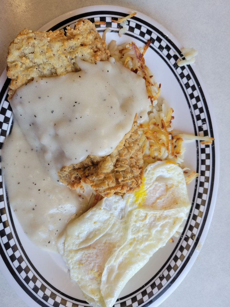 Penny's Diner: 128 Willow Rd, Missouri Valley, IA