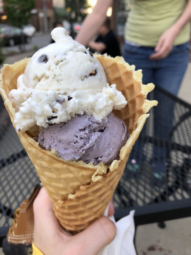 Scoops in Bellevue: 600 Lincoln Ave, Bellevue, PA