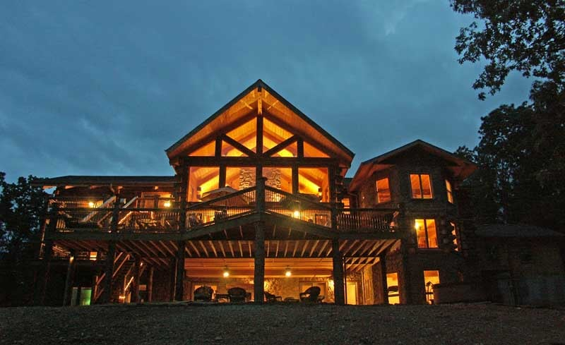White River Lodge: 738 Ozark Hollow Rd, Blue Eye, MO