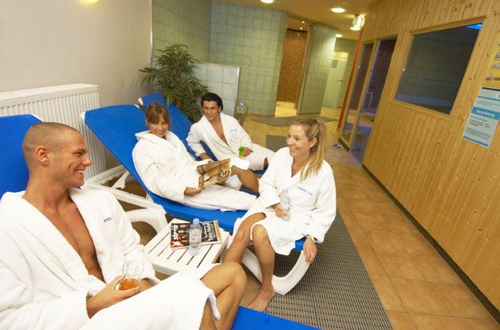 Maritim Bonn Bad Godesberg Wellness : HealthCity Bad Godesberg  Fitnessstudio  Am Fronhof 10, Bonn