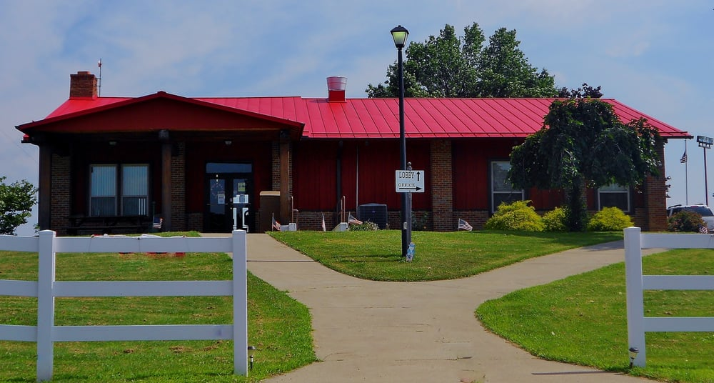 Brooke Hills Park: 140 Gist Ln, Wellsburg, WV