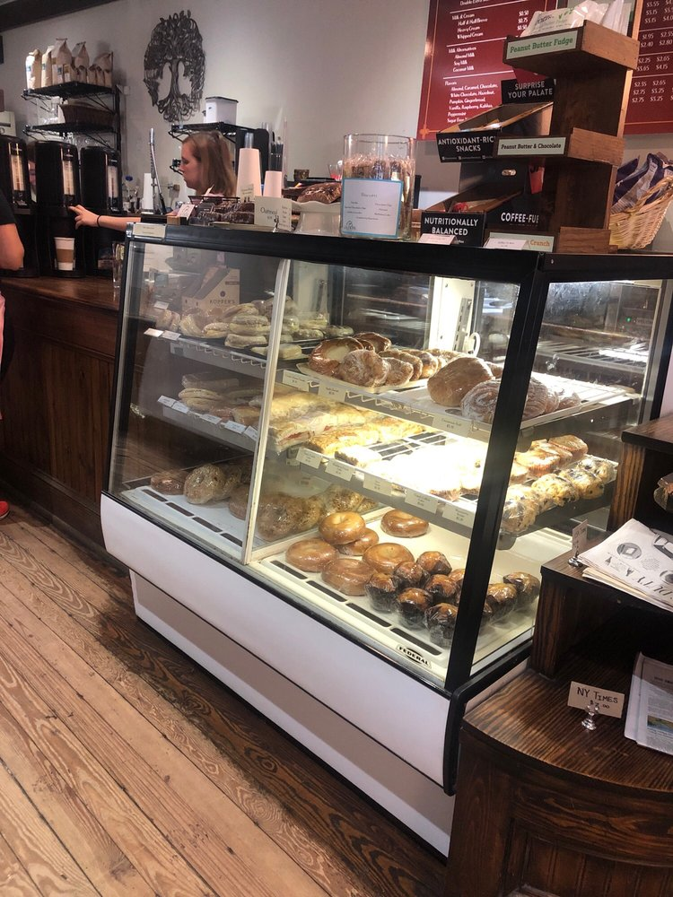 Calders Coffee Cafe: 384 Main St, Highlands, NC
