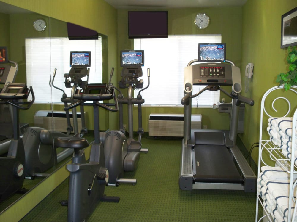 Fitness room open hours yelp