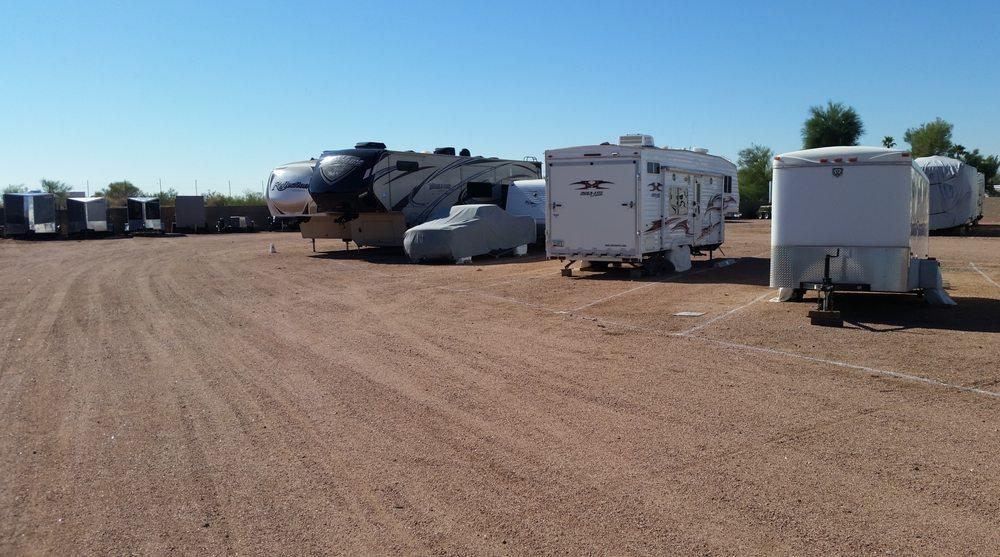Apache junction rv boat self storage depositi e box in for Piani di costruzione di storage rv