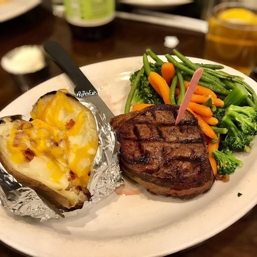 Food from The Beehive Grill