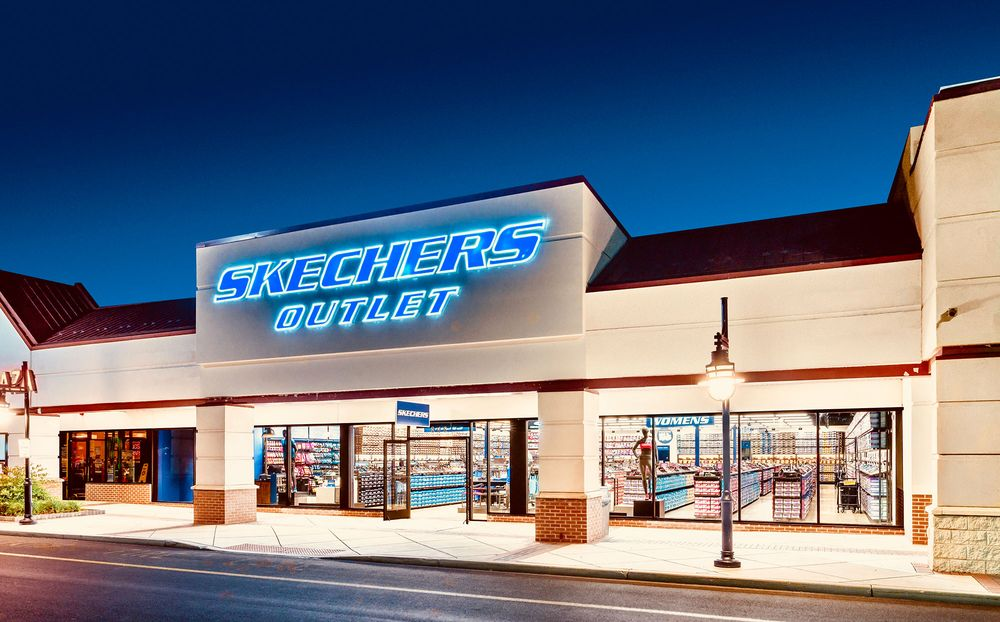 Skechers: 148 S. Mannheim Road Retail B, Hillside, IL