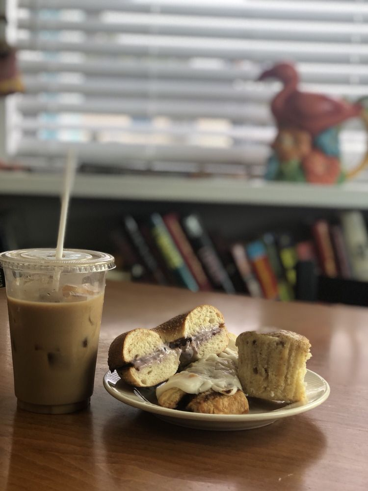Island Jo Coffee & Cafe: 7916 E Oak Island Dr, Oak Island, NC
