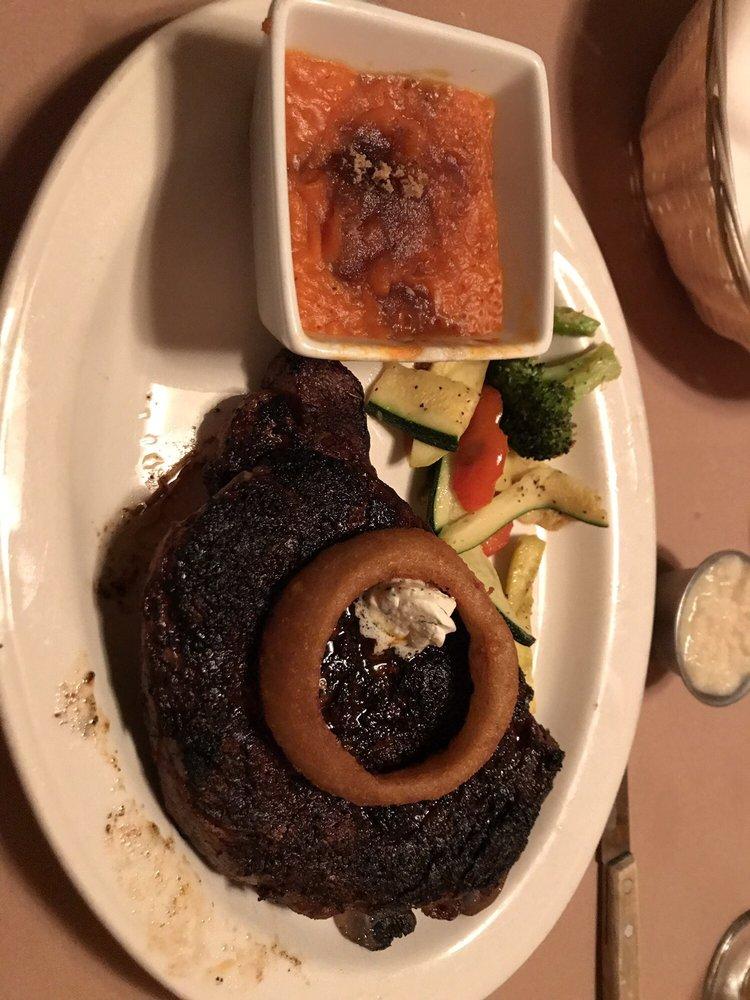 Silver Fox Steakhouse: 3422 Energy Ln, Casper, WY