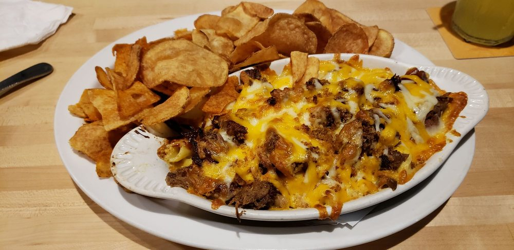 Lucky Dog Grille: 729 Reading Rd, Mason, OH
