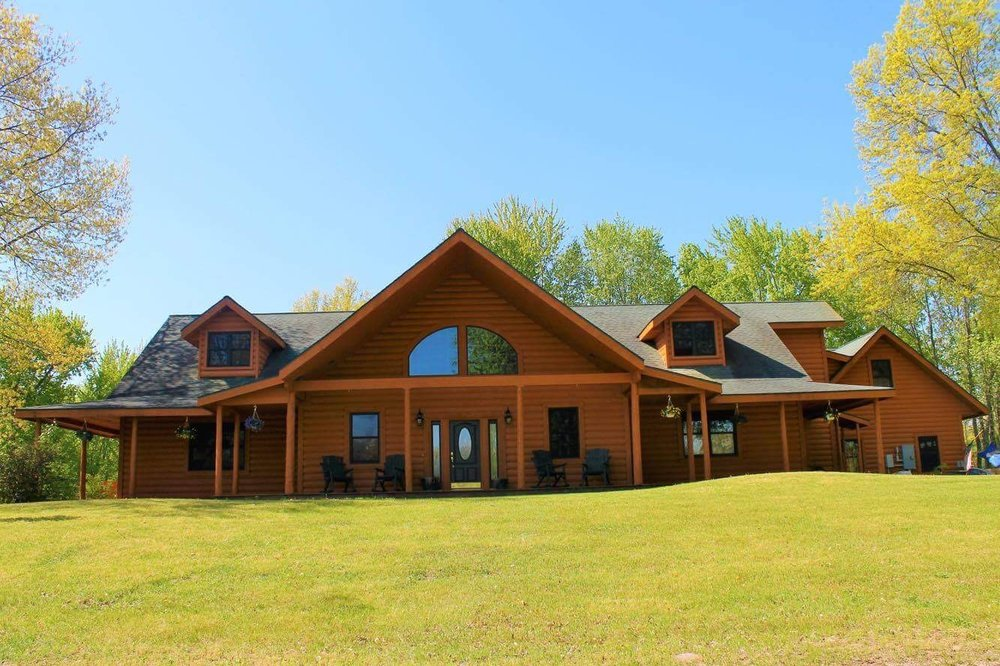 Oak Creek Lodge: 21575 Brady Rd, Bannister, MI