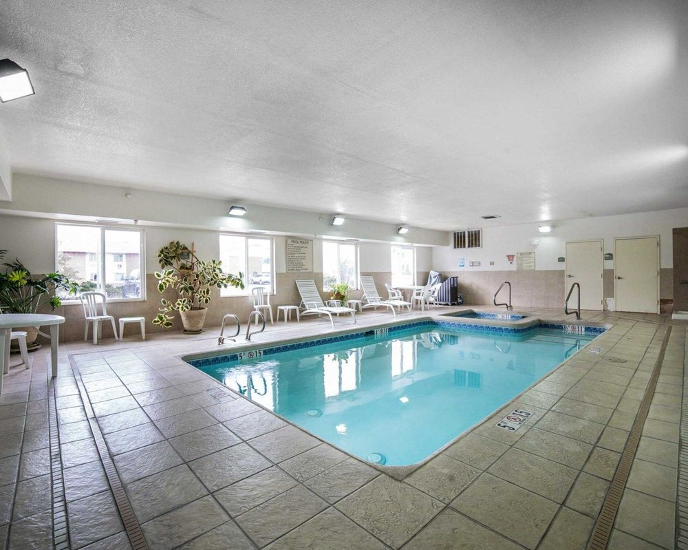 Comfort Inn & Suites: 2366 East Cedar St, Rawlins, WY