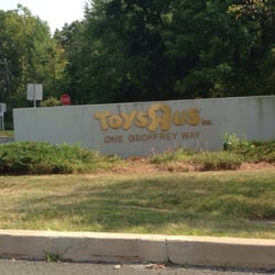 Toys R Us National Headquarters Closed Toy Stores 859 Berdan