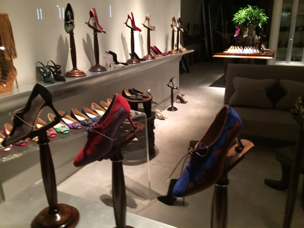 Manolo blahnik boutique 38 reviews shoe stores 31 w for Window location reload