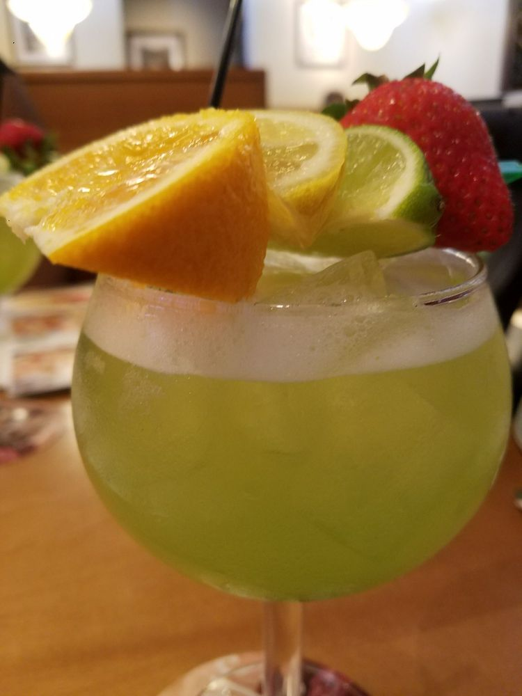Green apple moscato sangria yummy yelp for Green apple sangria olive garden recipe