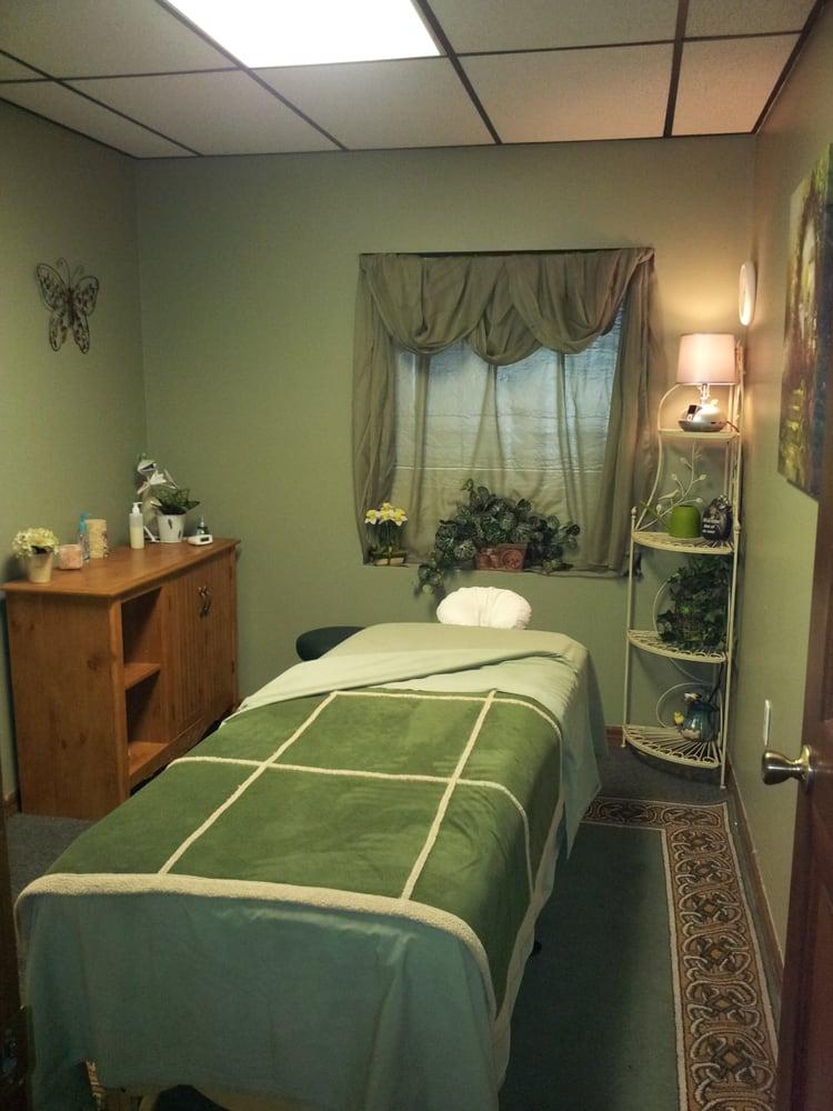 A Unique Touch Massage: 7046 Mariner Blvd, Spring Hill, FL