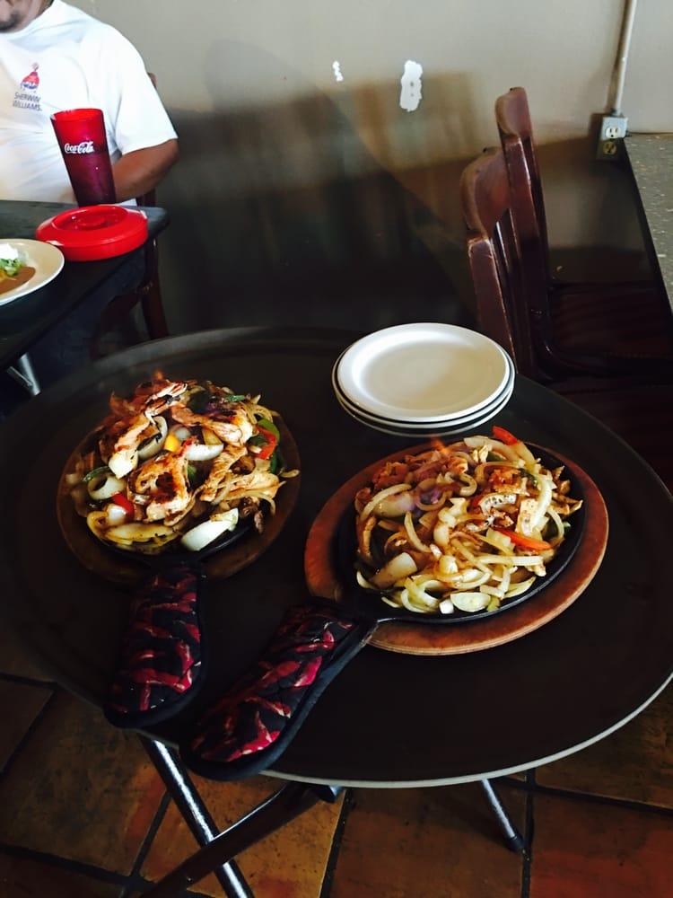 Las Ramonsitas Torres Mexican Restaurant: 1380 Hwy 67 E, Alvarado, TX