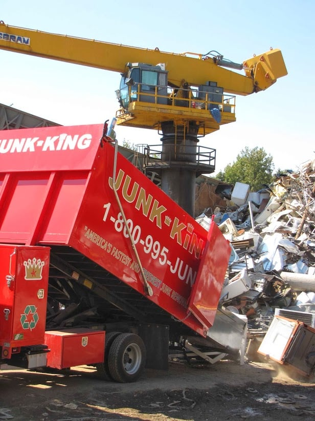 Junk King Dayton: 5335 Springboro Pike, West Carrolton, OH