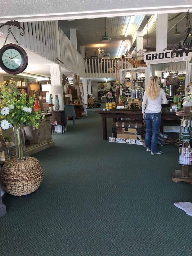 Marlow Mercantile: 127 W Main St, Marlow, OK