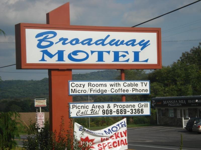 Broadway Motel: 2300 State Route 57 W, Washington, NJ