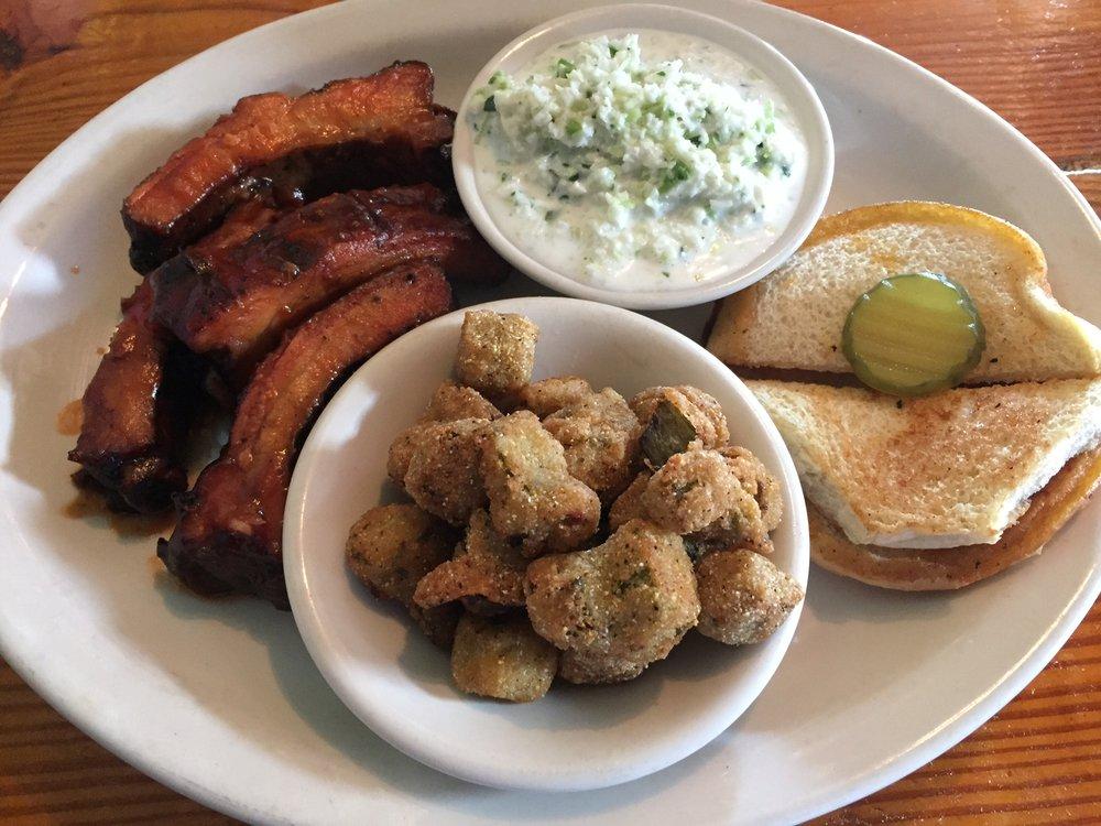 Georgia South Barbecue: 111 Mill St, Barnesville, GA