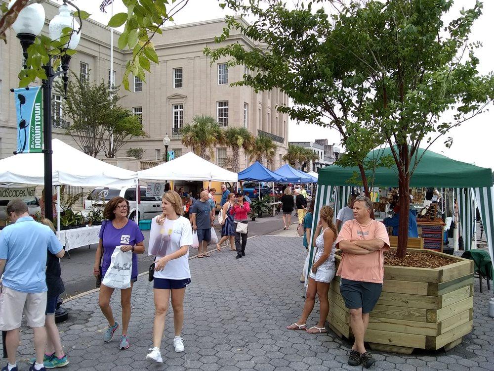 Riverfront Farmers' Market