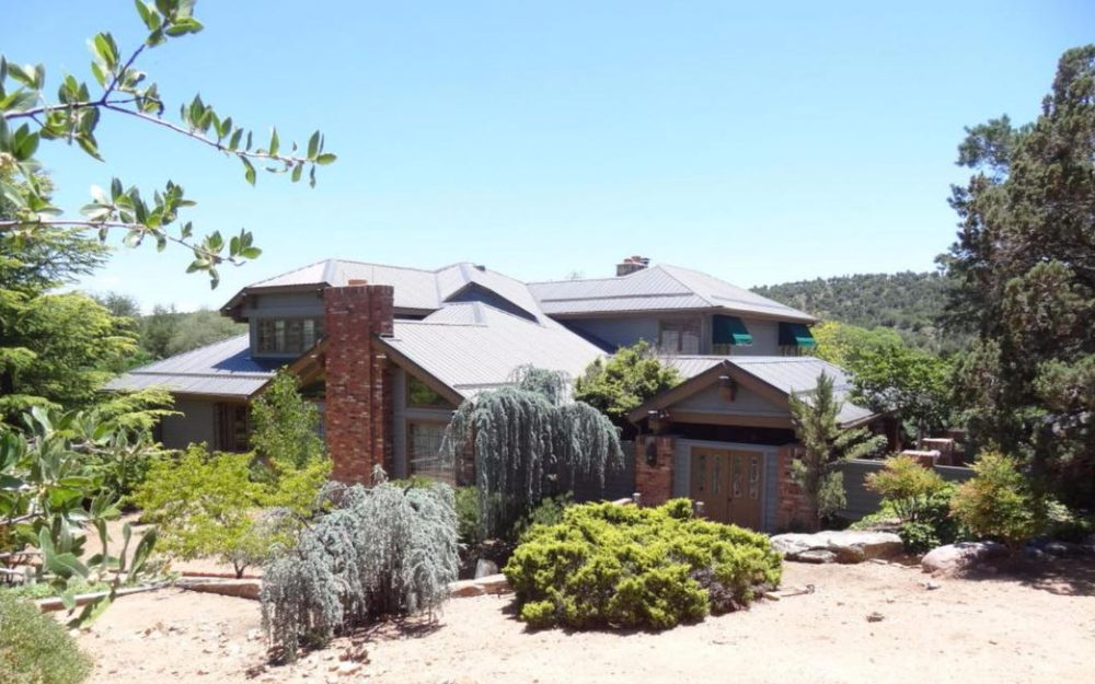 The Wolf Manor: 2003 W Fairway Ln, Payson, AZ