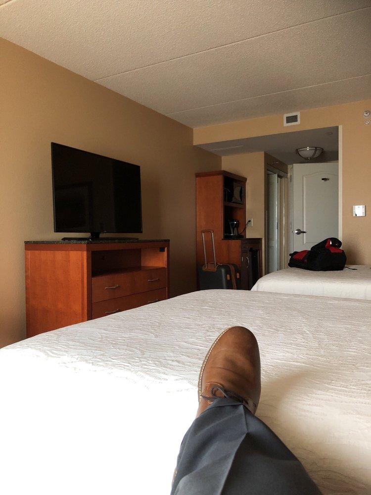 Hilton Garden Inn - Chicago O'Hare: 2930 S River Rd, Des Plaines, IL