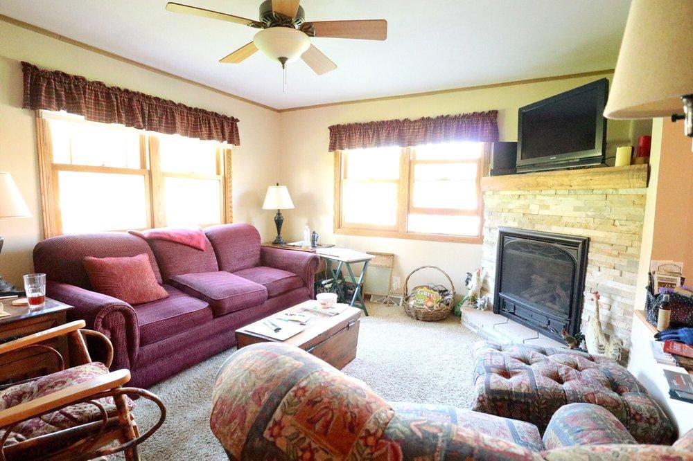 Rainbow Ridge Farms Bed & Breakfast: N5732 Hauser Rd, Onalaska, WI