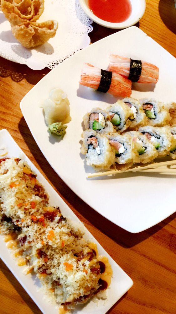 Siki Japanese Steakhouse and Sushi Bar: 601 NW Blue Pkwy, Lees Summit, MO