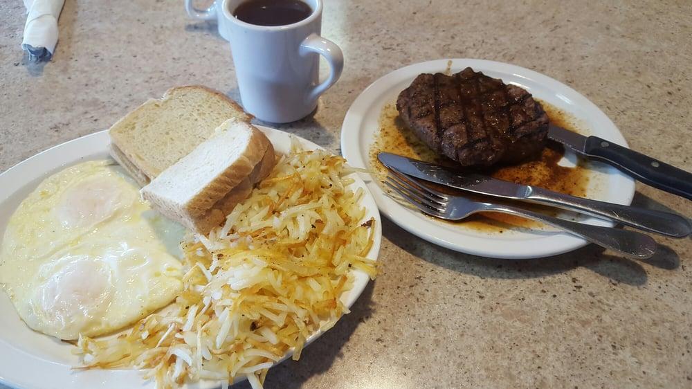 Arcadia Family Restaurant: 1632 Blachko Ave, Arcadia, WI
