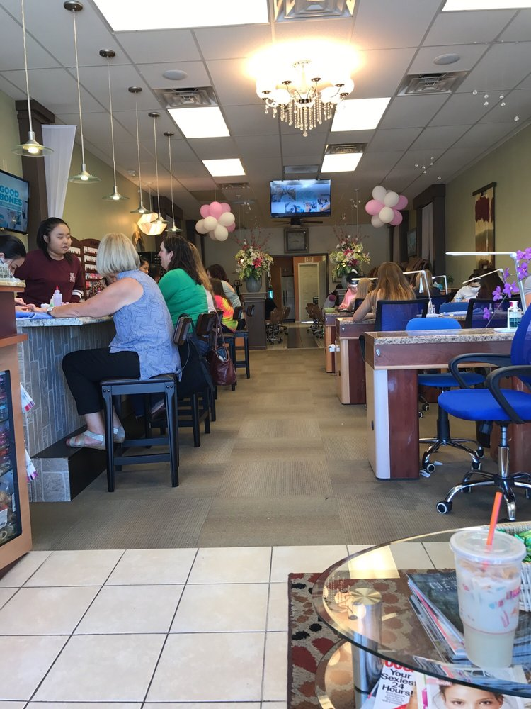 Sarah's Nail Salon: 7231 Maplecrest Rd, Fort Wayne, IN