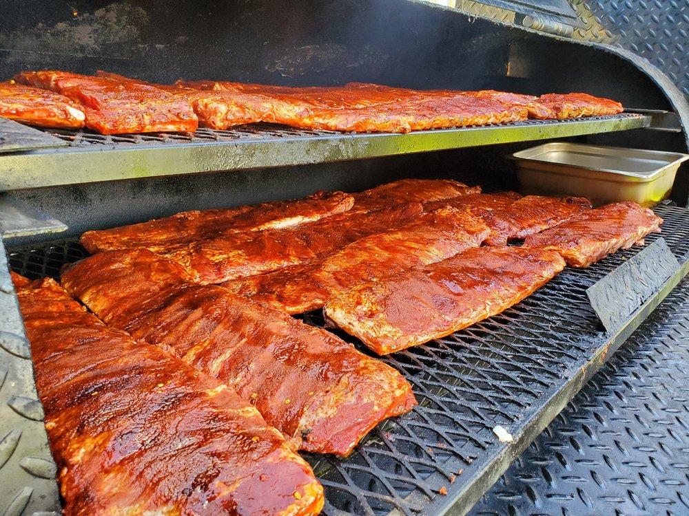 Farmhouse Kitchen BBQ: 477227 Hwy US-95 N, Ponderay, ID